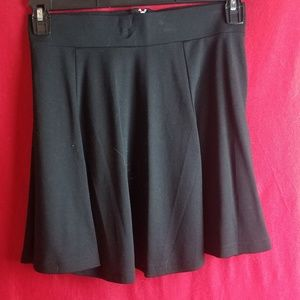 Women's H&M Divided Black Mini Skirt Size Small